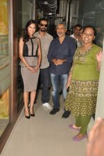 Arjun Rampal, Esha Gupta, Prakash Jha at the Audio release of Chakravyuh on 92.7 BIG FM on 3rd oct 2012 (27).JPG