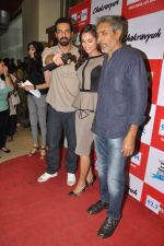 Arjun Rampal, Esha Gupta, Prakash Jha at the Audio release of Chakravyuh on 92.7 BIG FM on 3rd oct 2012 (34).JPG