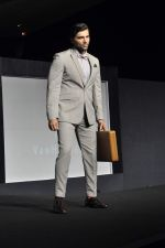 Chetan Hansraj at Van Heusen launch in Mumbai on 3rd Oct 2012 (11).JPG