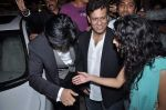 Shahrukh Khan, Bedabrata Pain, Vega Tamotia at the Premiere of Chittagong in Mumbai on 3rd Oct 2012 (158).JPG