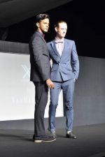 at Van Heusen launch in Mumbai on 3rd Oct 2012 (14).JPG