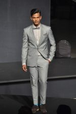 at Van Heusen launch in Mumbai on 3rd Oct 2012 (51).JPG