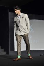 at Van Heusen launch in Mumbai on 3rd Oct 2012 (6).JPG