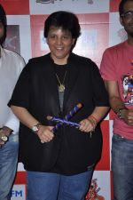 Falguni Pathak at Big FM in Andheri, Mumbai on 4th Oct 2012 (30).JPG