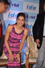 Deepika Padukone at Wrigleys press meet in Lower Parel, Mumbai on 5th Oct 2012 (2).JPG
