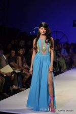 Sarah Jane Dias walk the ramp for Surily Goel Show at Wills Lifestyle India Fashion Week 2012 day 1 on 6th Oct 2012 (24).JPG