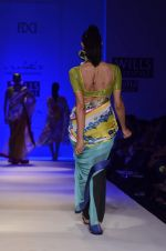 Model walk the ramp for Nida Mahmood Show at Wills Lifestyle India Fashion Week 2012 day 5 on 10th Oct 2012 (66).JPG