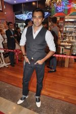 Rahul Khanna at the Inauguration of KIEHL_s outlet in South Mumbai on 14th Oct 2012 (10).JPG