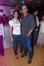 Ashutosh Gowariker, Sunita Gowariker at Saahil Chaddha_s wedding anniversary in Mumbai on 15th Oct 2012 (14).JPG