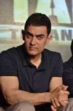Aamir Khan at the music launch of film Talaash in Mumbai on 18th Oct 2012 (224).JPG