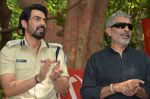 Arjun Rampal, Prakash Jha at Chakravyuh naxal camp in Mumbai on 18th Oct 2012 (1).JPG