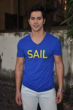 Varun Dhawan at Student of the year screening in Bandra, Mumbai on 19th Oct 2012 (12).JPG