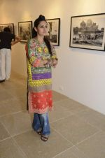 at Ragu Rai_s photo exhibition presented by Vacheron in ICIA, Mumbai on 20th Oct 2012 (50).JPG