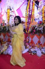 Moushumi Chatterjee at North Mumbai durga pooja in Mumbai on 22nd Oct 2012 (14).JPG