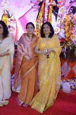 Moushumi Chatterjee, Tina Ambani at North Mumbai durga pooja in Mumbai on 22nd Oct 2012 (48).JPG