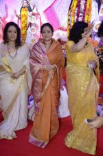 Moushumi Chatterjee, Tina Ambani at North Mumbai durga pooja in Mumbai on 22nd Oct 2012 (50).JPG