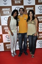 Nina Manuel, Adam Bedi, Nisha Harale at Sun Dance Party by Absolut Elyx in Mumbai on 21st Oct 2012 (101).JPG