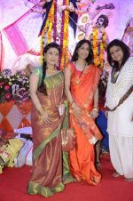 Sunita Gowariker, Sharbani Mukherjee at North Mumbai durga pooja in Mumbai on 22nd Oct 2012 (41).JPG