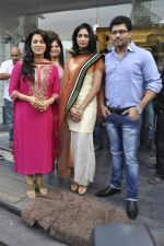 Juhi Chawla at the launch of Riyaz Gangji_s Maharaja collection in Juhu, Mumbai on 23rd Oct 2012 (11).JPG