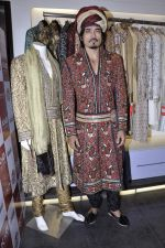 Shawar Ali at the launch of Riyaz Gangji_s Maharaja collection in Juhu, Mumbai on 23rd Oct 2012 (19).JPG