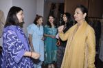 Maneka Gandhi at Madhu Jain_s collection launch in Ensemble, Mumbai on 25th Oct 2012 (32).JPG