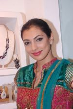 Yukta Mookhey at Azeem Khan accessories launch in Mumbai on 24th Oct 2012 (35).JPG