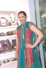Yukta Mookhey at Azeem Khan accessories launch in Mumbai on 24th Oct 2012 (39).JPG