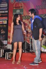 Jackky Bhagnani, Nidhi Subbaiah at Ajab Gajab Love promotions at NM college in Juhu, Mumbai on 1st Nov 2012 (111).JPG