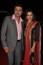 Neelam Kothari, Sameer Soni at ITA Awards red carpet in Mumbai on 4th Nov 2012,1 (127).JPG