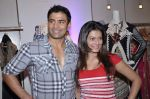Payal Rohatgi, Sangram Singh at Kimaya showcases Ritu beri_s collection in Juhu, Mumbai on 5th Nov 2012 (47).JPG