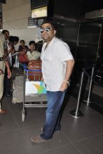 Kunal Ganjawala leave for Dubai on 7th Nov 2012 (18).JPG