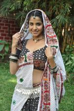 Sadhika Randhawa at Bhanwari Ka Jaal on location in Mumbai on 7th Nov 2012 (45).JPG