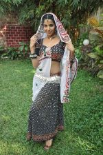 Sadhika Randhawa at Bhanwari Ka Jaal on location in Mumbai on 7th Nov 2012 (48).JPG
