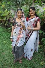 Sadhika Randhawa, Upasana Singh at Bhanwari Ka Jaal on location in Mumbai on 7th Nov 2012 (26).JPG