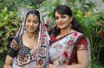 Sadhika Randhawa, Upasana Singh at Bhanwari Ka Jaal on location in Mumbai on 7th Nov 2012 (29).JPG