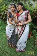 Sadhika Randhawa, Upasana Singh at Bhanwari Ka Jaal on location in Mumbai on 7th Nov 2012 (32).JPG