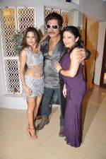 Piu Chouhan, Shakti Kapoor at Item Song shoot of film Jaalsaaz in Future Studio, Mumbai on 8th Nov 2012 (46).JPG