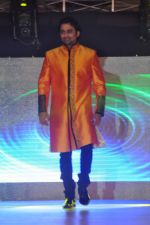 Anuj Saxena walk the ramp at Umeed-Ek Koshish charitable fashion show in Leela hotel on 9th Nov 2012.1 (22).JPG