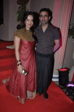 Shraddha Nigam, Mayank Anand at Kiran Bawa_s Diwali Bash on 12th Nov 2012 (214).JPG