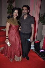 Shraddha Nigam, Mayank Anand at Kiran Bawa_s Diwali Bash on 12th Nov 2012 (215).JPG