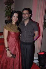 Shraddha Nigam, Mayank Anand at Kiran Bawa_s Diwali Bash on 12th Nov 2012 (216).JPG