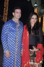 Isha Koppikar, Timmy Narang at Shilpa Shetty_s Diwali bash in Mumbai on 13th Nov 2012 (53).JPG