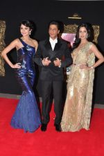 Katrina Kaif, Anushka Sharma at the Premiere of Jab Tak Hai Jaan in Yashraj Studio, Mumbai on 16th Nov 2012 (72).JPG
