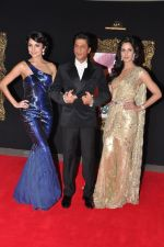 Katrina Kaif, Anushka Sharma at the Premiere of Jab Tak Hai Jaan in Yashraj Studio, Mumbai on 16th Nov 2012 (73).JPG