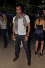 Chaitanya Chaudhary at designer Manali Jagtap_s birthday bash in Mumbai on 19th Nov 2012 (1).JPG