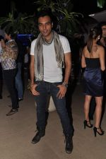 Chaitanya Chaudhary at designer Manali Jagtap_s birthday bash in Mumbai on 19th Nov 2012 (3).JPG