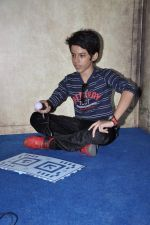 Darsheel Safary at playstation game launch in Infinity Mall, Mumbai on 20th Nov 2012 (13).JPG