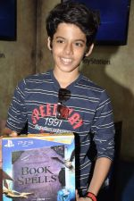 Darsheel Safary at playstation game launch in Infinity Mall, Mumbai on 20th Nov 2012 (18).JPG