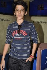 Darsheel Safary at playstation game launch in Infinity Mall, Mumbai on 20th Nov 2012 (20).JPG