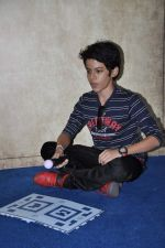 Darsheel Safary at playstation game launch in Infinity Mall, Mumbai on 20th Nov 2012 (5).JPG